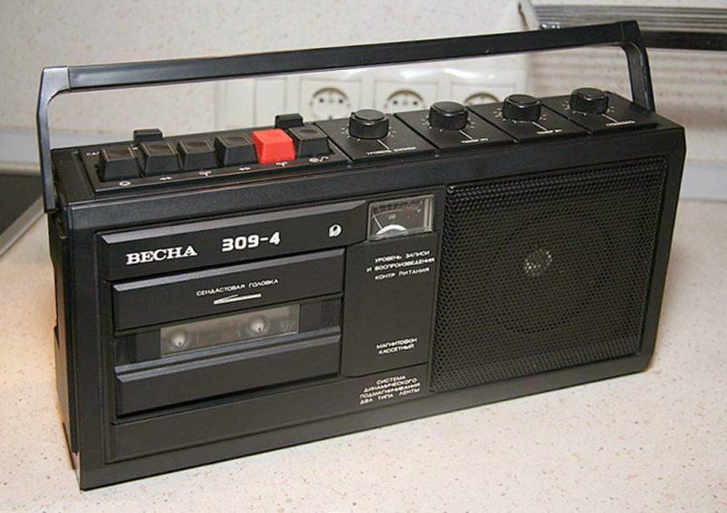 кассетный-магнитофон-купить
