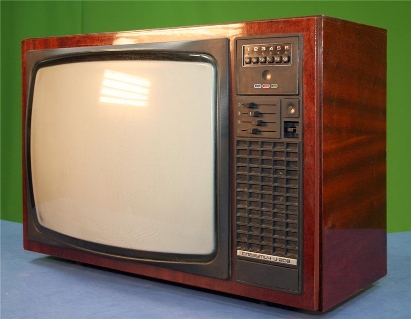 sovetskij-lampovyj-televizor